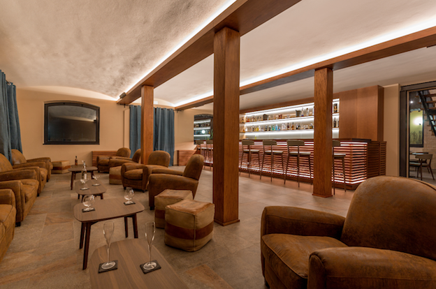 Ceramiche Keope firma la ricercata semplicità di La Maison du Gourmet a Parma