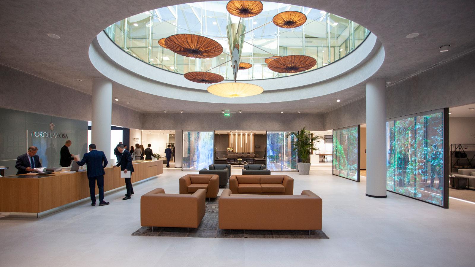 La tecnologia e la ceramica Premium segnano la XXVI Mostra Internazionale di Architettura Globale e Interior Design di Porcelanosa Grupo