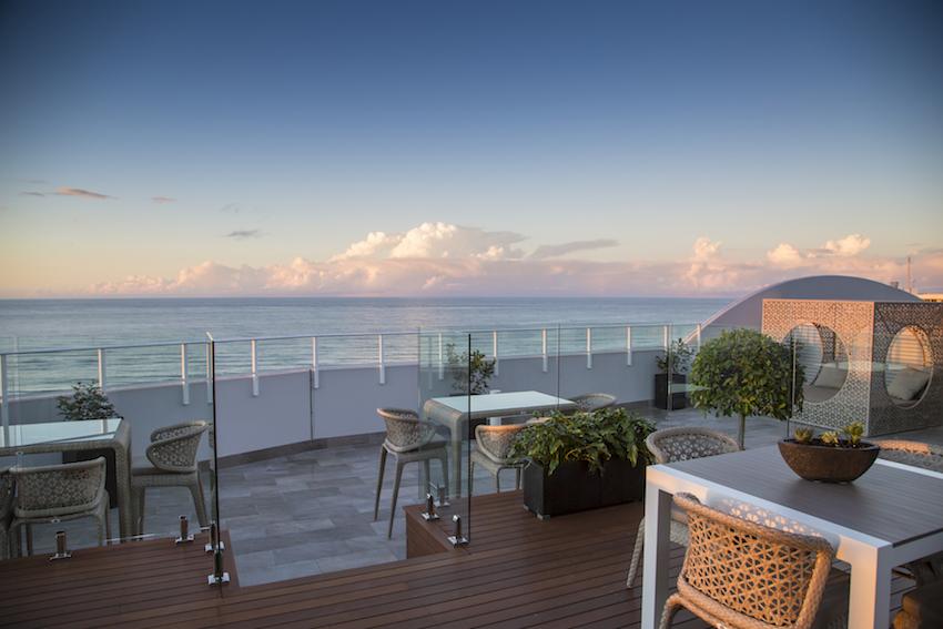Spettacolare rooftop sulle coste australiane sceglie l'effetto pietra firmato Ceramiche Keope.