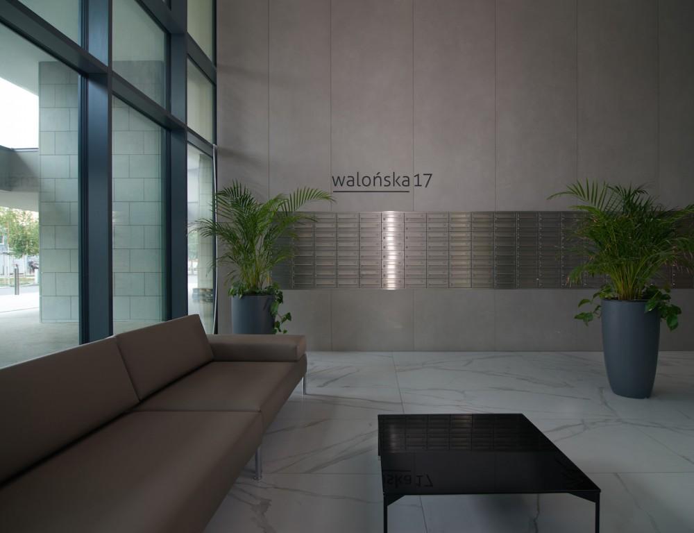 """Effetto marmo firmato FAP ceramiche per il complesso residenziale """"Angel River"""" in Polonia."""